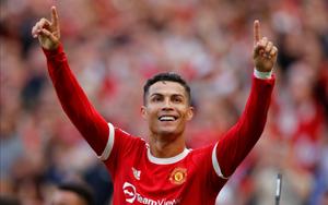 Ronaldo gửi thông điệp xúc động sau màn trở lại Old Trafford như mơ