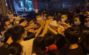 """Bí thư Hà Nội yêu cầu làm rõ trách nhiệm lãnh đạo phường Trung Văn khi để dân """"chen lấn"""" tiêm vaccine"""