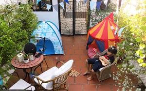 Mẹ Sài Gòn dựng lều cắm trại trên nóc nhà cho con vui chơi giữa mùa dịch