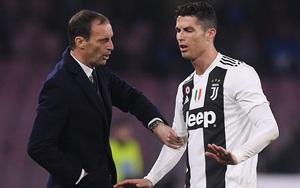 """""""Coi thường"""" Ronaldo, HLV Juventus trả giá cực đắt"""