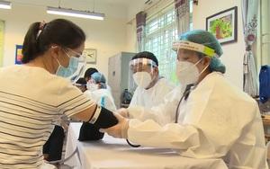 Hàng nghìn y bác sỹ các tỉnh thành hỗ trợ Hà Nội chống dịch