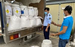 """Hàng tấn hóa chất Trung Quốc nhập khẩu vi phạm nhãn trên xe """"luồng xanh"""""""
