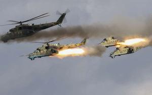 Ảnh Putin xem tập trận, hàng trăm xe tăng, máy bay, tàu chiến Nga phô diễn hỏa lực khủng khiếp