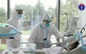 Video: Xót xa ở nơi điều trị bệnh nhân Covid-19 nặng nhất TP.HCM