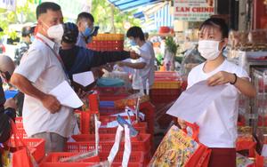 Dịch Covid-19: Tiệm bánh trung thu hiếm hoi ở TP.HCM mở cửa