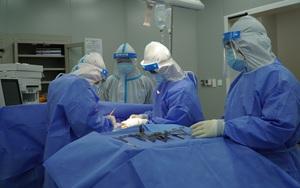 Ca mổ cấp cứu đầu tiên thực hiện tại Bệnh viện hồi sức Covid-19