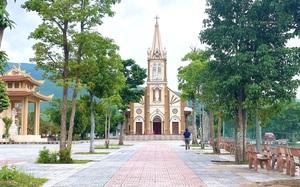 Quảng Bình: Nông dân giáo xứ Thủy Vực hiến đất, dỡ bỏ tường rào làm đường nông thôn mới