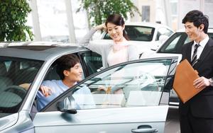 """Lãi suất """"auto"""" tăng, người vay mua ô tô còng lưng trả nợ"""