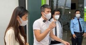 """Kinh tế nóng nhất: Fanpage ngân hàng """"nóng"""" vụ livestream công bố sao kê từ thiện của Thủy Tiên"""