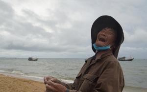 """Tôm cá đầy thuyền, ngư dân Bà Rịa - Vũng Tàu """"cười như được mùa"""" trong ngày mở biển"""