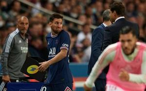 Messi từ chối bắt tay HLV Pochettino, PSG có biến cực căng?