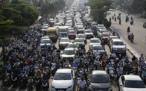 Hà Nội ngày đầu thực hiện Chỉ thị 15 về giãn cách: Đường phố đông nghịt