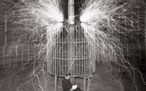 Siêu vũ khí của Tesla sắp trở thành hiện thực với khả năng bắn hạ máy bay dễ dàng