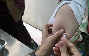 Đắk Lắk: Làm rõ thông tin chi nhánh một ngân hàng đưa người ngoài vào tiêm vaccine