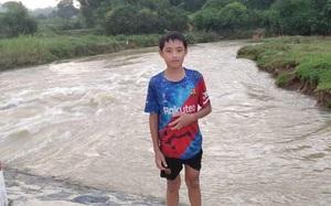 Nam sinh lớp 7 nhảy xuống dòng nước xiết cứu bé gái trượt chân rơi xuống sông