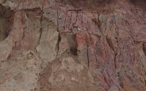 Đau xót 3 cháu bé bị đất cát vùi lấp tử vong khi chơi trò đào hầm trú ẩn