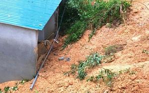 Clip - Ảnh: Mưa lớn kéo dài ở Hà Tĩnh, gây lở núi nghiêm trọng, 2 cháu nhỏ bị thương nặng