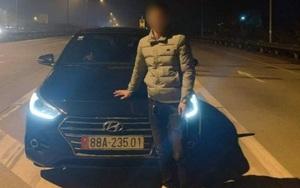 """Khởi tố vụ án cảnh sát giao thông bị tài xế lái ô tô húc ngã """"dúi dụi"""""""