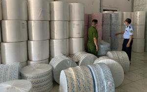 Tịch thu hàng tấn vải không dệt nhập lậu từ Trung Quốc dùng để may khẩu trang