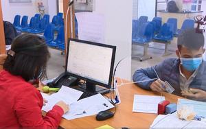 Người lao động nhận gói hỗ trợ từ quỹ bảo hiểm thất nghiệp qua tài khoản
