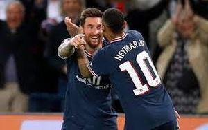Ghi bàn đầu tiên cho PSG, Messi phá kỷ lục của huyền thoại M.U