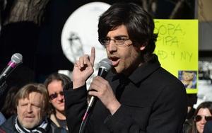 """Kỳ án siêu hacker: Aaron Swartz, """"Robinhood của giới công nghệ"""" (Bài 1)"""