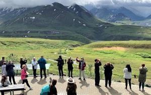 Mỹ: Alaska hồi phục du lịch, du khách chen chân, nhà hàng không kịp phục vụ