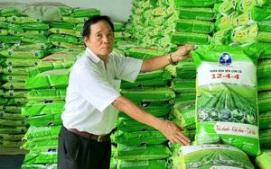 Ninh Bình: Nông dân Việt Nam xuất sắc 2021 giúp nông dân mua phân bón chất lượng, tránh phân bón giả