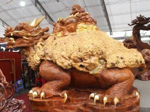 Tuyệt tác Long Quy từ gỗ nu đinh trăm năm tuổi của đại gia Thái Bình