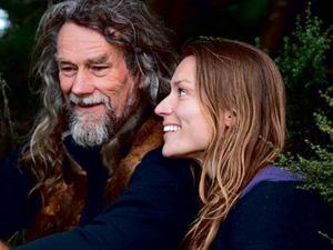 """Bỏ nghề giáo viên, người phụ nữ New Zealand vào rừng làm """"Tarzan phiên bản nữ"""""""