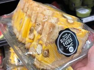 Người Việt sốc với kiểu ăn mít ở Mỹ, bổ miếng tam giác như dưa hấu