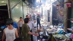 Hà Nội: Cháy chợ Phùng Khoang, chủ tiệm bánh mỳ tử vong