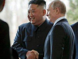 Thượng đỉnh Nga-Triều: Phía kiếm vai trò, bên cần đối trọng