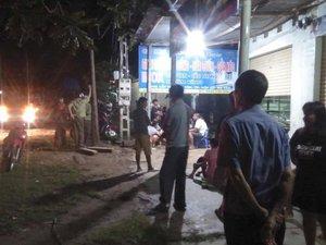 Hai nhóm thanh niên ẩu đả trong đêm, 1 người tử vong