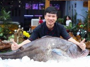 """Cá leo dài 1,6m """"to chưa từng thấy"""" xuất hiện ở Đắk Lắk"""