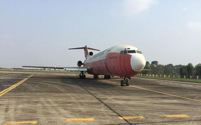 Cục Hàng không trao đổi bánh kẹo lấy máy bay vô chủ ở Nội Bài như thế nào? - Ảnh 1.