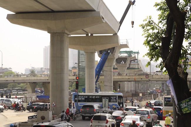 Đường sắt Nhổn – ga Hà Nội sẽ được ta vấn Pháp đánh giá trước khi vận hành - Ảnh 1.