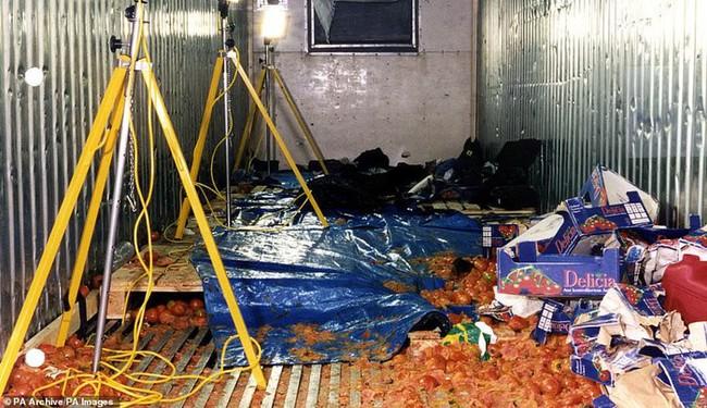 Từ vụ 39 thi thể trong container, nhìn lại thảm kịch nhập cư bất hợp pháp tồi tệ nhất tại Anh - Ảnh 2.