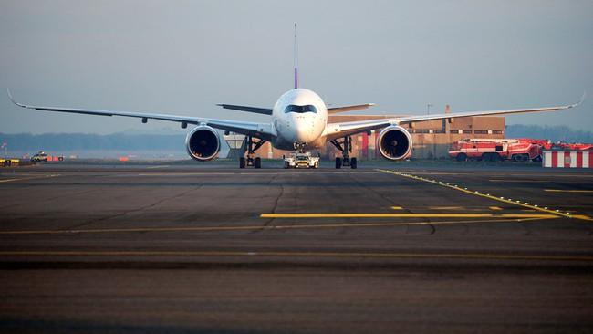 Hàng không Thái Lan bùng nổ, Thai Airways hứng quả đắng - Ảnh 1.