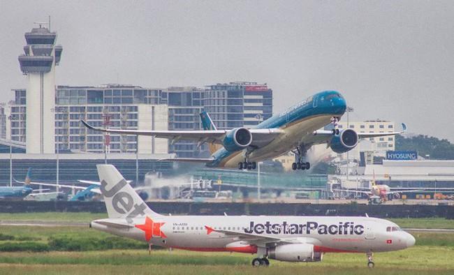 Công bố các hãng bay đầu sổ hủy, chậm chuyến bay - Ảnh 1.
