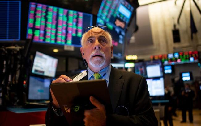 Dow Jones tăng 180 điểm sau phiên giao dịch thủng mốc 20.000 - Ảnh 1.
