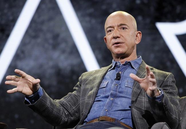 Nhiều CFO bình chọn Jeff Bezos là doanh nhân tiêu biểu của thập kỷ - Ảnh 1.