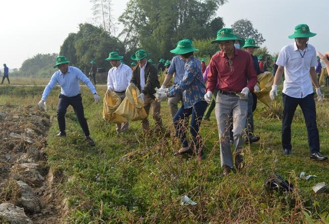 Điện Biên: Cùng nông dân thu gom bao gói thuốc bảo vệ thực vật sau sử dụng… - Ảnh 2.