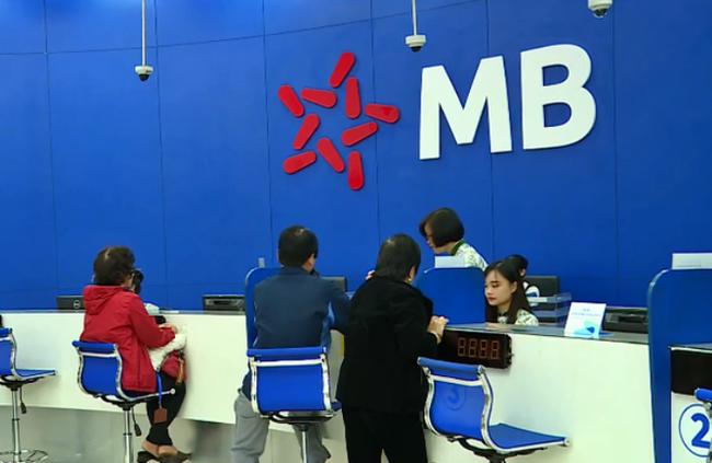 Cổ phiếu MBB trước 'ván cược' bán vốn - Ảnh 1.