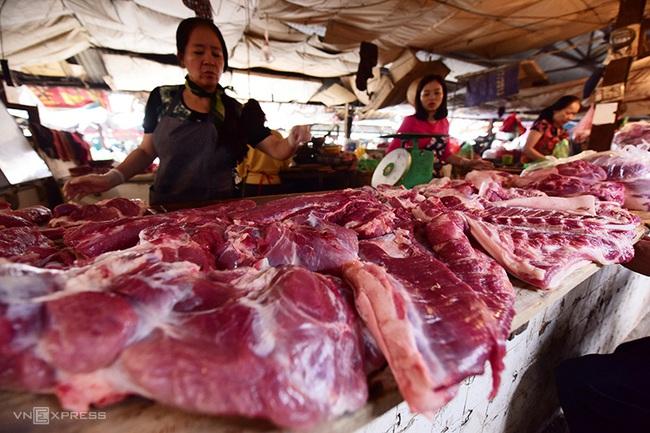 Phó Thủ tướng phê bình Bộ NN&PTNN vì giá thịt lợn cao - Ảnh 1.