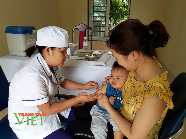 Lai Châu: Nâng cao hiệu quả công tác phòng chống bệnh không lây nhiễm - Ảnh 2.