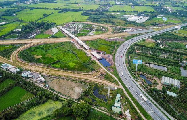 Cao tốc Trung Lương - Mỹ Thuận được giải cứu từ vốn ngân sách - Ảnh 1.