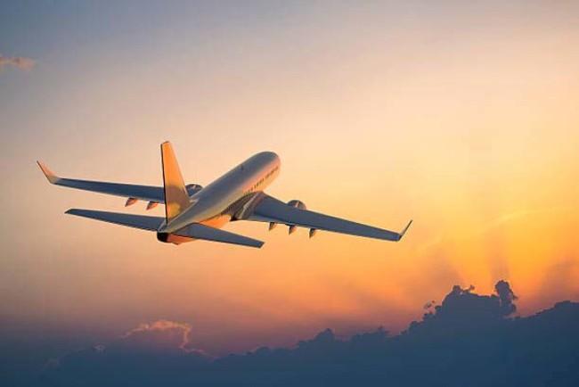 Vietravel Airlines khó khăn khi khai thác tại sân bay Nội Bài, Tân Sơn Nhất - Ảnh 1.