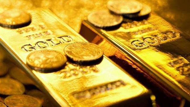 Giá vàng lạc quan đầu tuần, USD tăng giá - Ảnh 1.