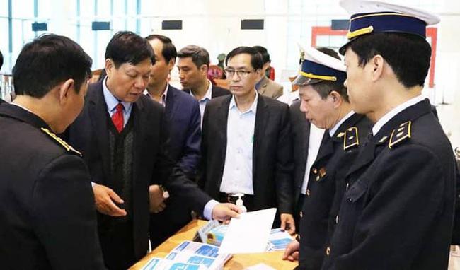 Thứ trưởng Bộ Y tế: Cần chú trọng phòng chống dịch Corona tại các cửa khẩu Lạng Sơn - Ảnh 1.